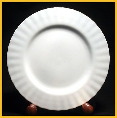 Royal Albert Val D'or 8 1/8 Inch Salad Plates - Excellent Condition - 1st Qualit