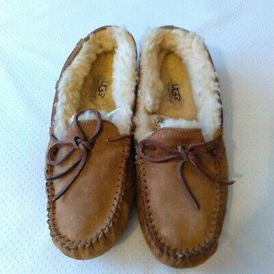 0c23fefba27 UGG WOMEN DAKOTA 5612 Moccasin Slipper in CHESTNUT Sz 5-12 NEW w ...