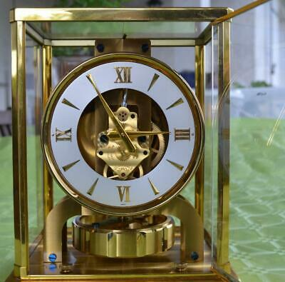 Atmos Perpetual Motion Atmospheric Clock No. 72452 in carrying case