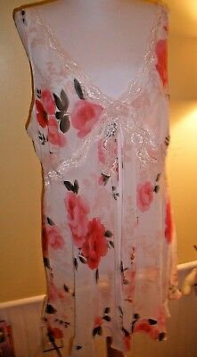 Secret Treasures Sexy Nighty XL white with pink roses open front