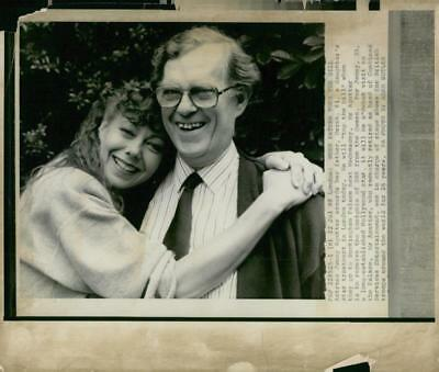 Actress Jenny Agutter hugs her father - Vintage photo