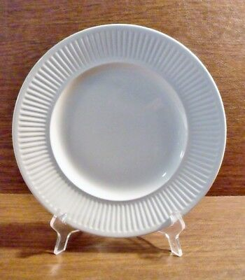"""Johnson Brothers ATHENA 10-1/8"""" White, Ribbed Dinner Plate EXCELLENT"""