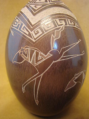 Santa Clara Indian Hand-coiled Etched Horse Vase by Dusty Naranjo! PT0154