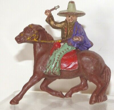 SP07 Lone Star plastic Mounted Mexican throwing knife VGC Purple cloak, grey hat