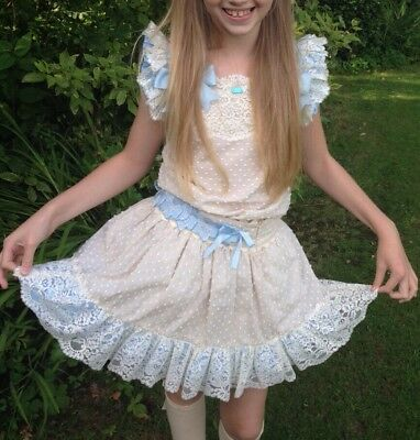 Girls beautiful Spanish Two Piece Outfit Age 10/12