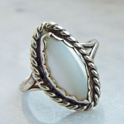 Old Pawn Navajo Sterling Silver White Moon Stone Ring S5