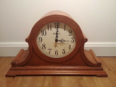 Vintage Shenandoah Oak Finish Hermle Quartz Mantel Clock Musical Chime Germany