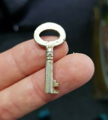 Small Little Old Antique Vintage Box Keys Home Decor Steampunk Key Pendant Charm