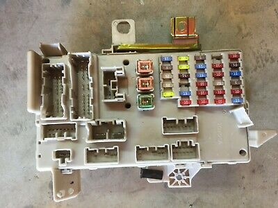 03 04 05 2003-2005 Toyota Camry Interior Fuse Box 2.4L Junction 82730-06130
