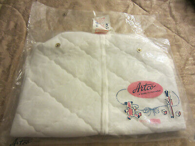 VINTAGE 1950 1960 BUNTING QUILTED WHITE SATIN new DACRON ARTCO BABY PRODUCTS