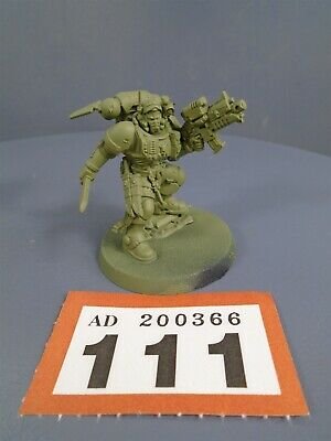 Warhammer 40,000 Space Marines Vanguard Primaris Lieutenant Phobos Armour 111