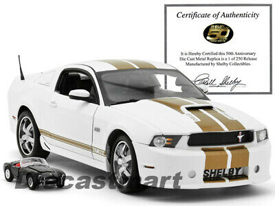 Shelby Collectibles 1:18 2012 Ford Shelby Gt350 Limitiert 250 St. Weiß W / 1:64