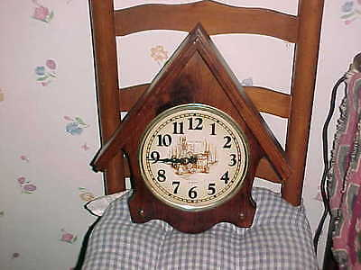 GREAT Vtg VERICHRON EARLY AMERICAN quartz Working  wood Wall Clock 1960's