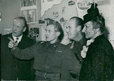 King Olav of Norway, in official activity as Crown Prince - 6 December 1945 - Vi
