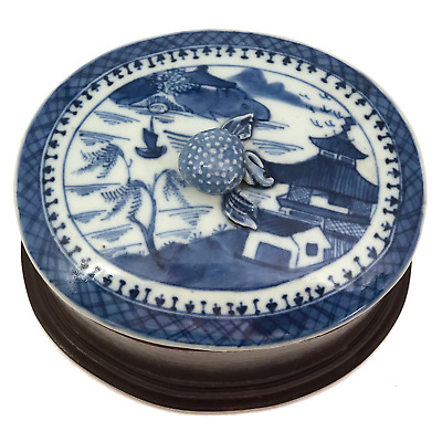 Chinese Canton Export Porcelain Blue and White Lidded Box