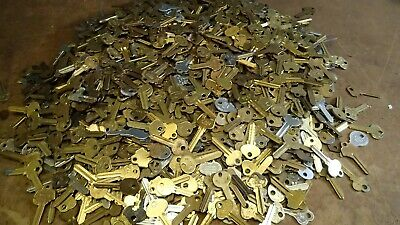 Large Lot of  Misc Key BLANKS 3 pounds HOUSE CARS etc. Lot of old  &  vintage
