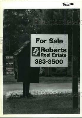 1992 Press Photo Roberts Real Estate For Sale sign in Clifton Park, New York