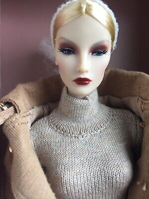 "Integrity FASHION ROYALTY PASSION WEEK ELYSE ELISE JOLIE 12"" FR Doll NRFB 2017"