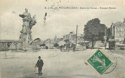 Angouleme Statue De Carnot Animee