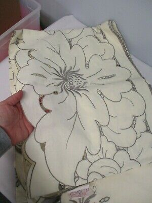 VTG MADEIRA LINEN TABLECLOTH w 12 MATCHING NAPKINS w LARGE FLOWERS 60x80 MINT!!