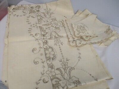 VTG MADEIRA PORTUGAL LINEN TABLECLOTH w CUTWORK FLOWERS 12 NAPKINS NWT NOT USED