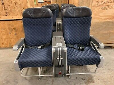 American Airlines Boeing 737 757 Double Seats tray tables UAL gaming game room