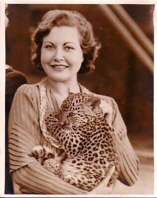 Blackpool Tower Menagerie bébé Leopard cub & beautiful Girl large old Photo 1933