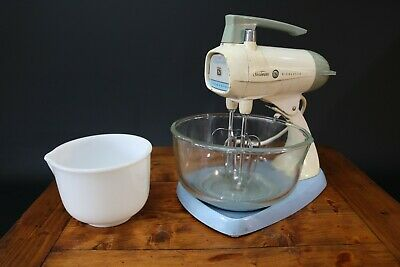 Sunbeam Mixmaster Food Mixer Beaters Large / Small Bowl Vintage 1960s Working