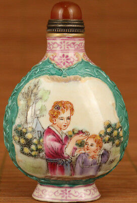 Rare old porcelain painting Western world Mother and girl Statue Snuff Bottle