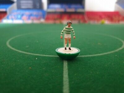 Subbuteo spare lw player Celtic ref 25