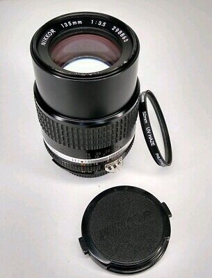 Nikon NIKKOR AI-s 135mm f/3.5 Lens with built in lens hood! Excellent condition!