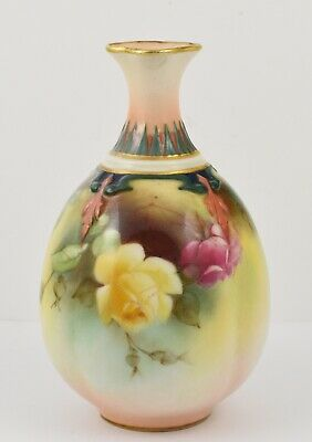 Rare James Hadley Roses (Royal Worcester) Hand Painted 4 Lobe Vase Dated 1908