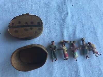 5 Guatemalan Worry Dolls in Paint Decorated Shaved Wood Box Vintage  Early