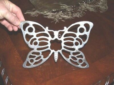 Leonard Silverplate Butterfly Footed Trivet 10 3/4 by 7 Hanger Table Accessory