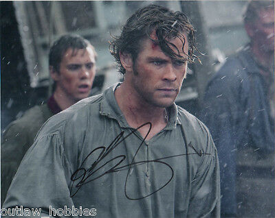 In the Heart of the Sea Chris Hemsworth Autographed Signed 8x10 Photo COA