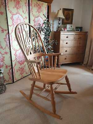 Beautiful Windsor Pine Rocking Chair Country Farmhouse Kitchen Rocker Large Seat