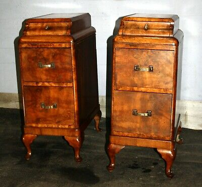 Good pair of Art Deco figured walnut 1930s bedside cabinets tables night stands