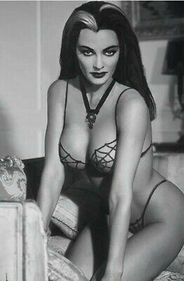 "Lily Munster-Yvonne De Carlo Poster Photo Fridge Magnet 2""x 3"" Collectibles"
