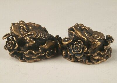 2 RARE CHINA BRONZE HAND-CARVED TOAD STATUE PENDANT FIGURINE OLD COLLECTION m