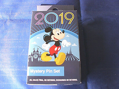 Disney * 2019 Characters & Year * New in Box  2-Pin Mystery Collection Box