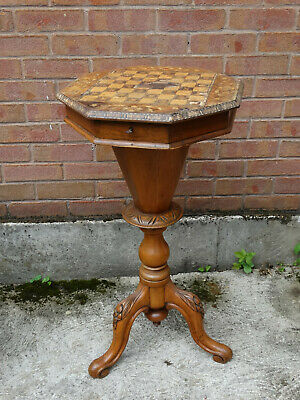Early 19th century Sewing table with parquetry inlaid game board top