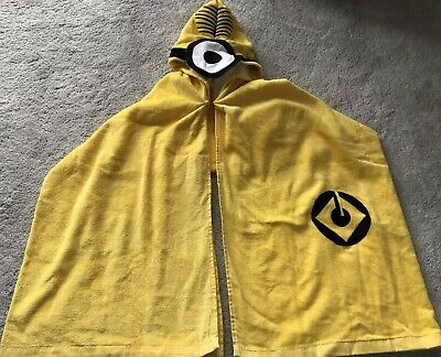 BNWT Universal Studios Despicable Me Minions Children Unisex Yellow Hooded Towel