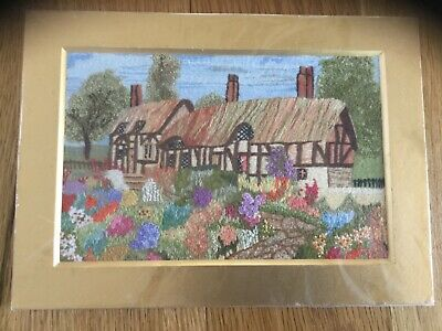 Vintage Detailed Embroidered English Cottage Garden In Mount