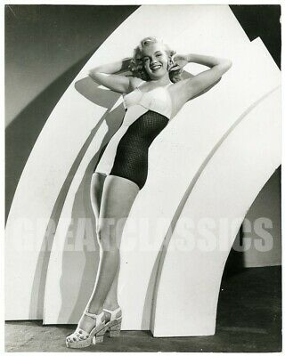 Marilyn Monroe 1952 Young Beautiful Swimsuit Pin-Up Original Vintage Photograph