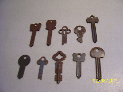 10 Different Old Assorted Vintage Rusty Unique Keys from an Estate