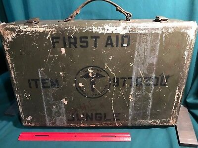 World War II U.S. Army Medical Department JUNGLE FIRST AID GRIP,  All Original