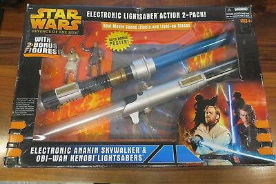 Star Wars - Electronic Lightsaber Action 2+Figures+Poster - Pack - 2005
