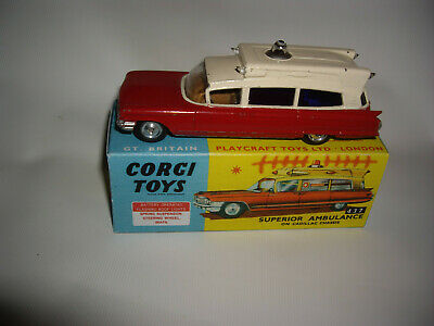 Corgi Toys 437 Superior Ambulance original Modell mit Box