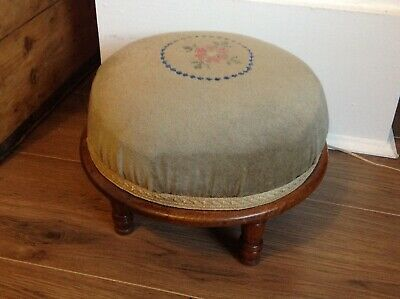 Victorian Style Bun Footstool With Green Velvet Fabric Footrest Foot Stool