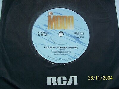 The Mood, Passion In Dark Rooms / The Munich Thing.  Original 1982 Rca Single